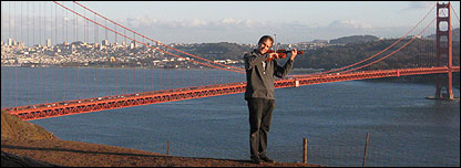 David Juritz busking at the Golden Gate, San Francisco